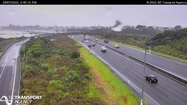 N5 Onewa Rd onramp looking south